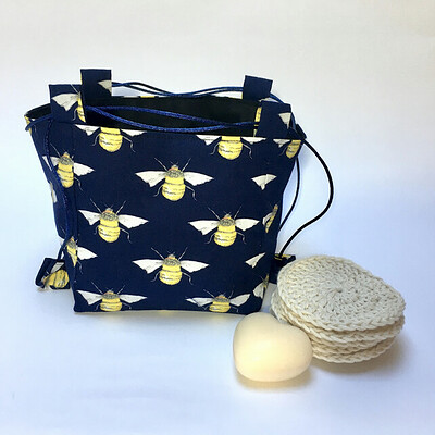 7635549-Medium-Sized-Blue-Bee-Japanese-Rice-Bag-Gift-Bag-0