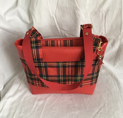 272 Shoulder Bag B
