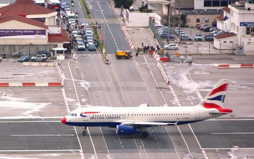 Gibraltar_International_airport_runway