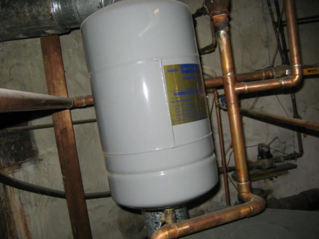 expansion-tank-above-boiler-ben-gromicko-3.jpg